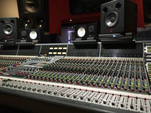 studio 2224493 640 1 300x225 - איך להקליט סינגל?