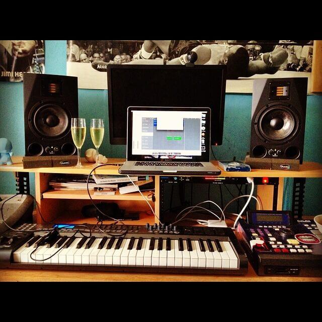 recording 255869 640 1 - טיפים איך לעצב אולפן הקלטות ולשמור על אקוסטיקה מושלמת